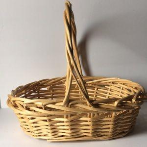 ❤️ Woven Wicker Basket